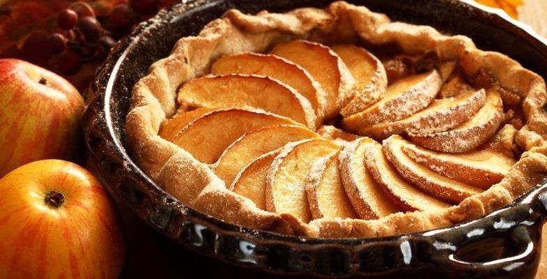 Apfelkuchen mit Bittermandel